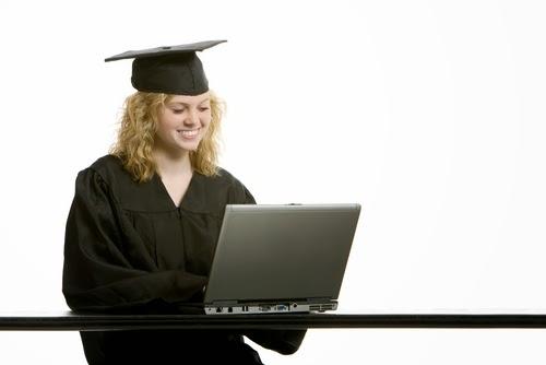 Как стать обладателем документа о присвоении степени mba и как  Участница программы mba пишет дипломную работу